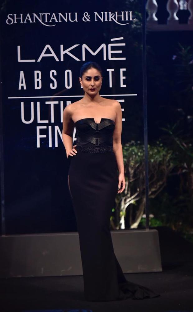 Kareena Kapoor Khan for Shantanu and Nikhil at LFW 2019 Summer_Resort finale (5)