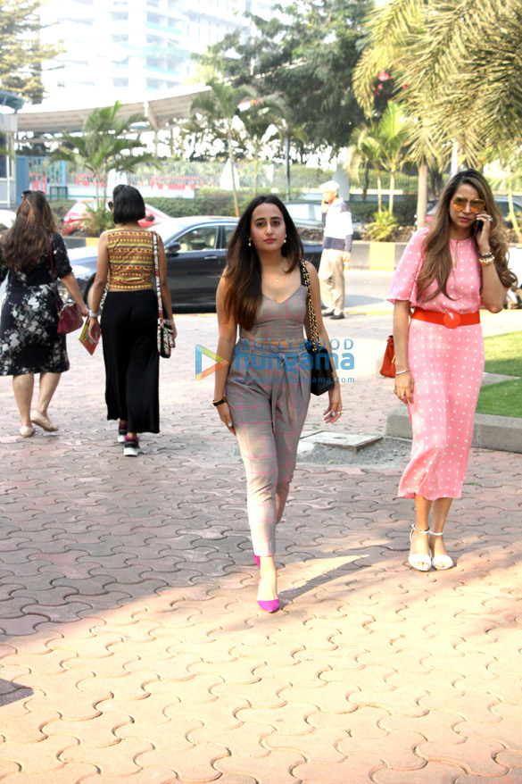 Manyata Dutt, Diana Penty and Natasha Dalal spotted at Yauatcha in BKC (3)