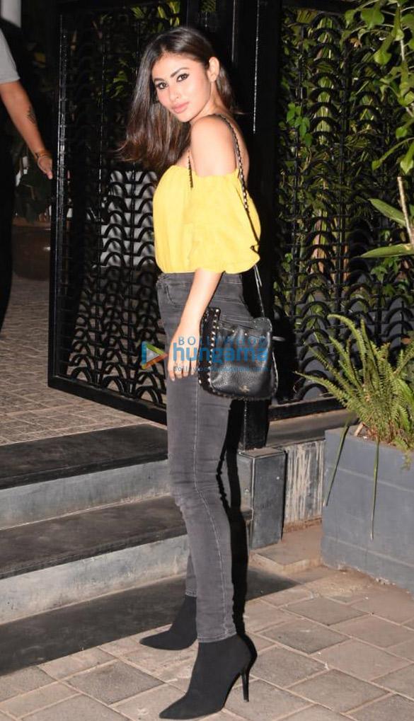 Mouni Roy snapped at Soho House, Juhu (3)