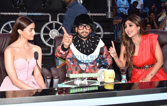 Ranveer Singh and Alia Bhatt promote Gully Boy on Super Dancer Chapter 3 (7)
