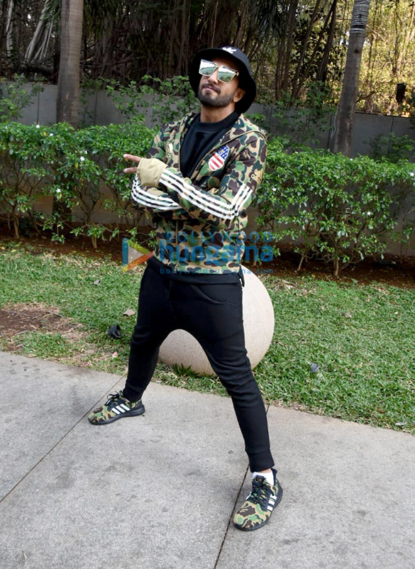 Ranveer Singh and Alia Bhatt snapped promoting their film Gully Boy (1)