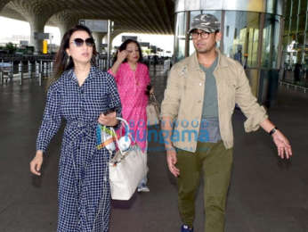 Sonu Nigam snapped with his family at the airport