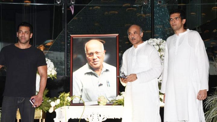 UNCUT Rajkumar Barjatya Prayer Meet with many Celebs