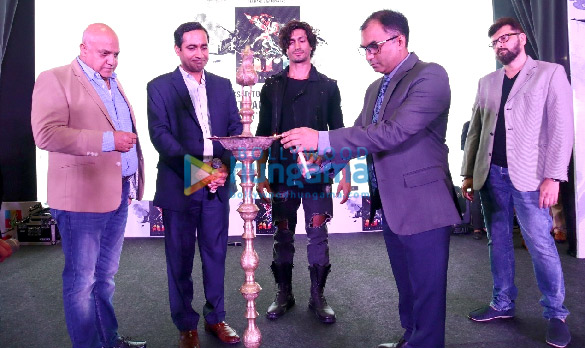 Vidyut Jammwal attends the inauguration of the R-City Art Fest 2019 (1)