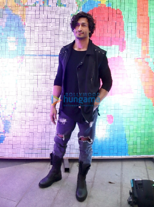 Vidyut Jammwal attends the inauguration of the R-City Art Fest 2019 (3)