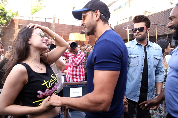 This Kaho Naa Pyaar Hai reunion of Hrithik Roshan and Ameesha Patel will definitely make you NOSTALGIC!