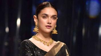 6 yards of love, indeed! Aditi Rao Hydari looks ravishing as she walks for the finale of Lotus Makeup India Fashion Week