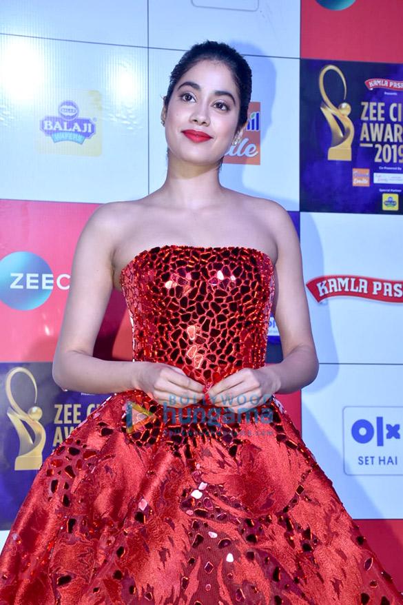 Celebs grace Zee Cine Awards 201956 (4)