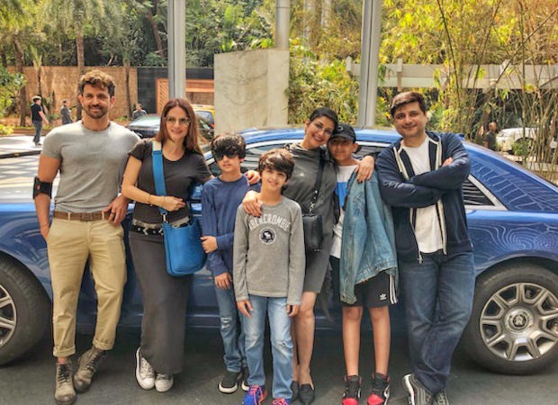 Hrithik Roshan and family spends some quality time over Sunday Brunch with Sonali Bendre