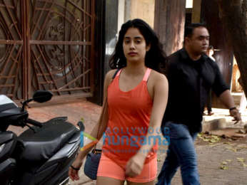 Janhvi Kapoor snapped at Anil Kapoor's residence