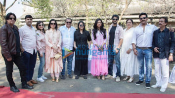 on the sets of the movie Sab Kushal Mangal