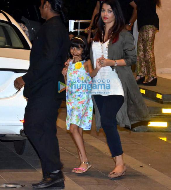 Abhishek Bachchan, Jaya Bachchan and Aishwarya Rai Bachchan spotted at Yauatcha in BKC (2)