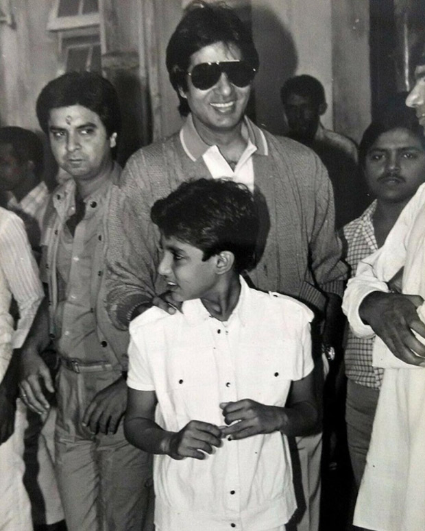 This throwback photo of Abhishek Bachchan along with his handsome father Amitabh Bachchan will definitely make you feel nostalgic!