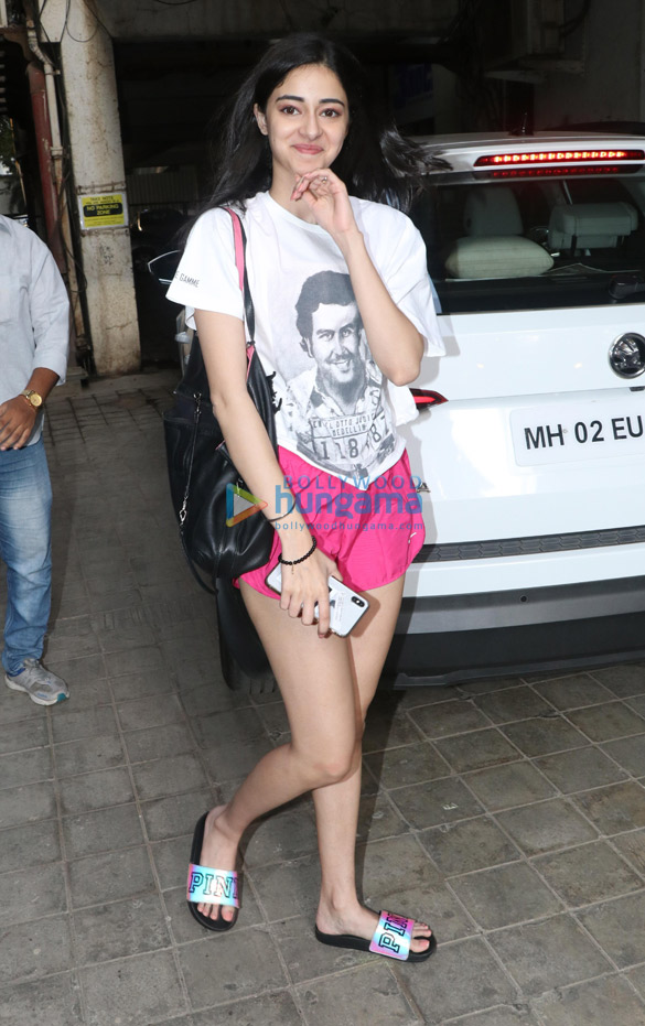 Ananya Pandey spotted at a dance class in Andheri (2)