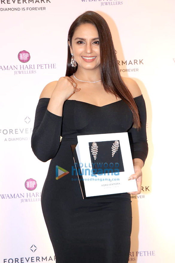 Huma Qureshi graces the launch of the new collection from Forevermark (6)