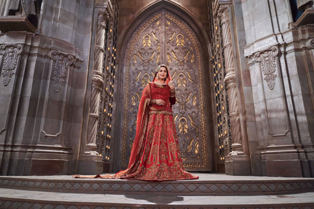KALANK'S Art Director gives us a peek at the film's grand larger-than-life SETS