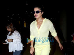 Priyanka Chopra Jonas, Pooja Chopra and others snapped at the airport
