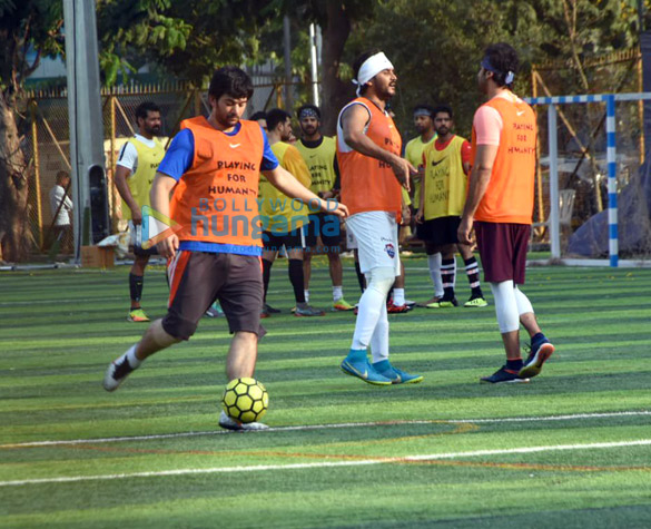 Ranbir Kapoor, Abhishek Bachchan and others snapped during a football match (3)