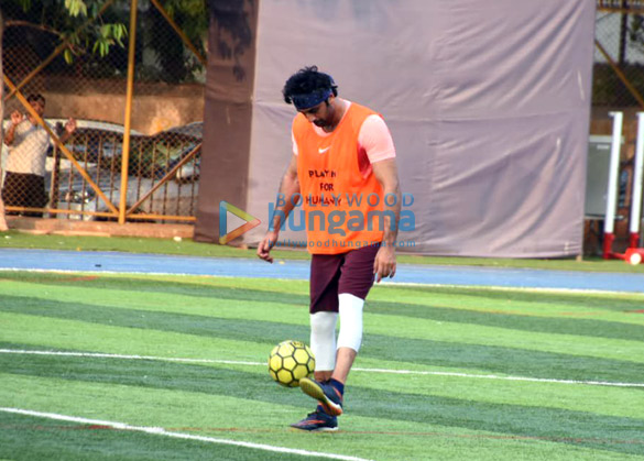 Ranbir Kapoor, Abhishek Bachchan and others snapped during a football match (4)