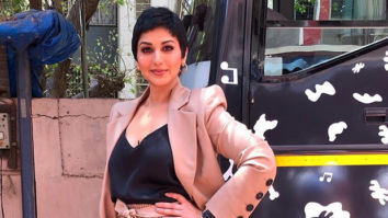 Sonali Bendre looks ethereal as she makes her first TV appearance post her cancer treatment