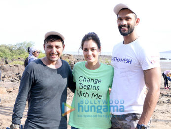 Afroz Shah and Dia Mirza snapped participating in a beach cleaning drive