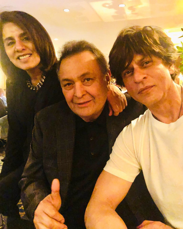 Ahead of his appearance on David Letterman's show, Shah Rukh Khan pays a visit to Rishi Kapoor and Neetu Kapoor in New York