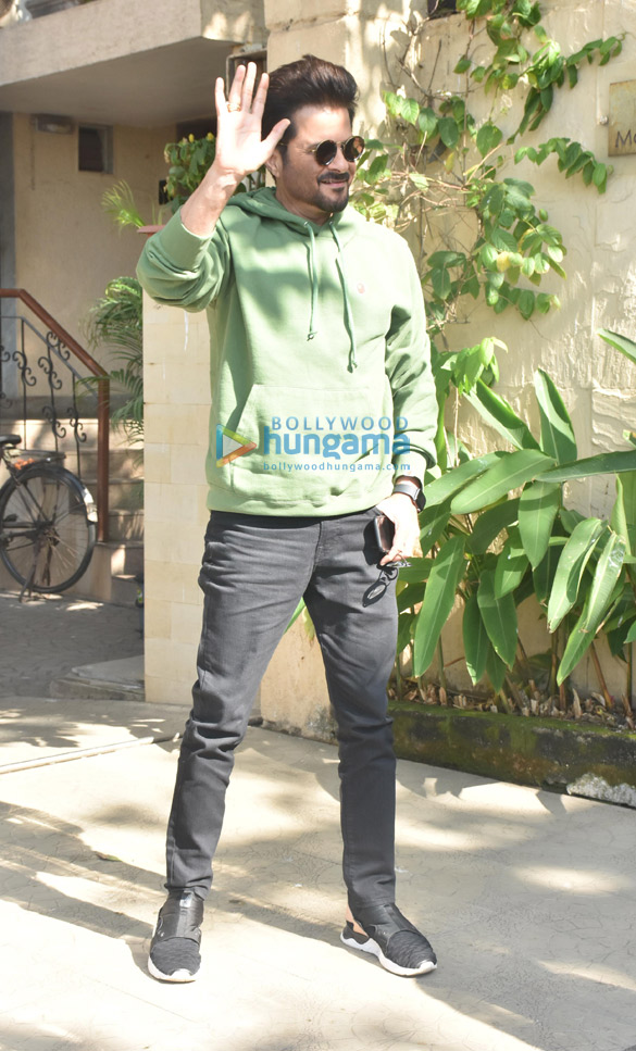 Anil Kapoor snapped at a clinic in Bandra (1)