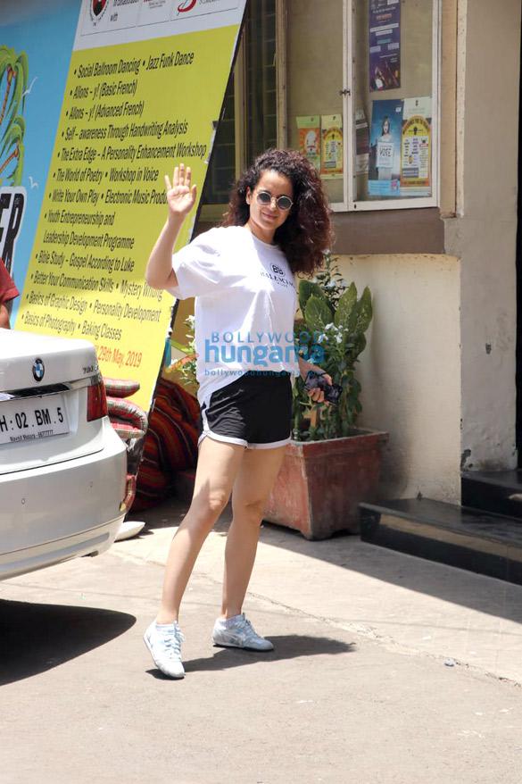 Kangana Ranaut spotted for her Kabaddi rehearsals at St Andrews in Bandra (3)