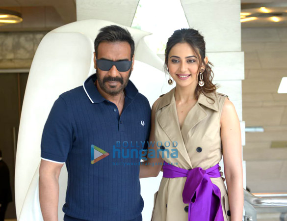 Photos: Ajay Devgn, Rakul Preet Singh and Tabu snapped during De De Pyaar De promotions