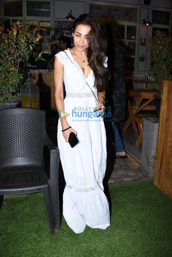 Photos Malaika Arora snapped at Restro in Bandra (3)