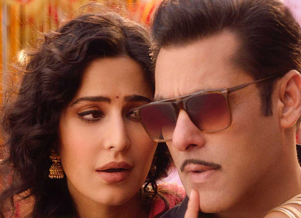 Katrina Kaif just PROPOSED to Salman Khan and here's how the Bharat actor REACTED!