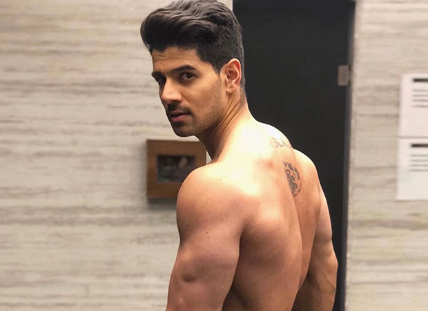 Sooraj Pancholi signs his fourth film and it is a biopic of a boxer! [Read details inside]