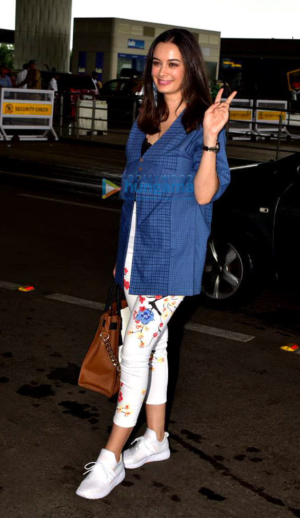 Photos Evelyn Sharma snapped at the airport (3)
