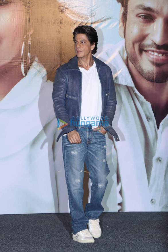 Photos Shah Rukh Khan and others grace the music and trailer launch of the Marathi film 'Smile Please' (6)