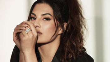 VIDEO Jacqueline Fernandez will show you how to make workouts super fun!