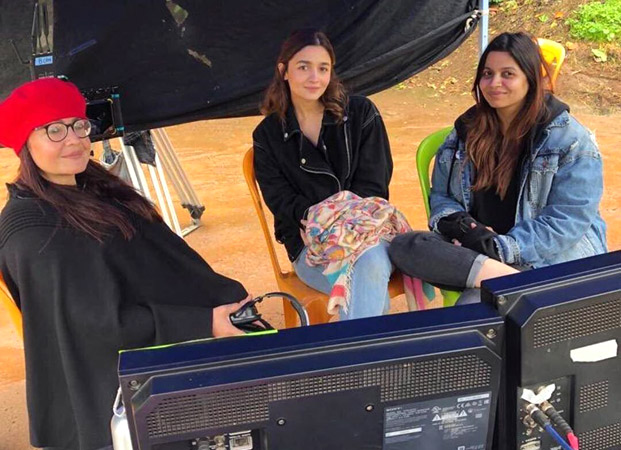 Alia Bhatt is all smiles as she hangs out with Pooja Bhatt and Shaheen Bhatt on the sets of Sadak 2