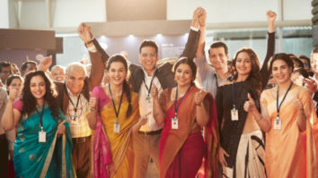 PHOTO: Mission Mangal team celebrates the power the women scientist
