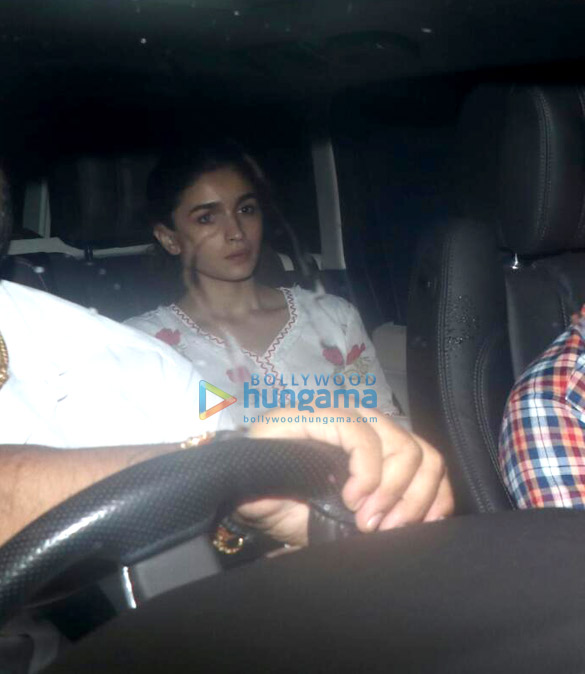Photos Alia Bhatt snapped at a friend's place in Juhu (4)