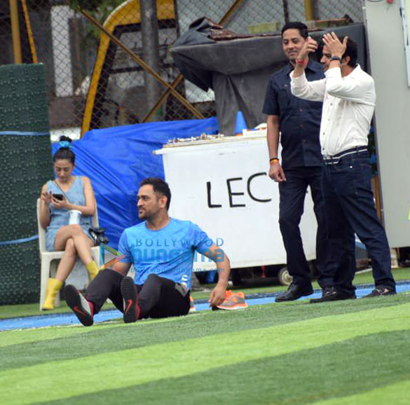 Photos Arjun Kapoor and Mahendra Singh Dhoni snapped during a football match practice (4)