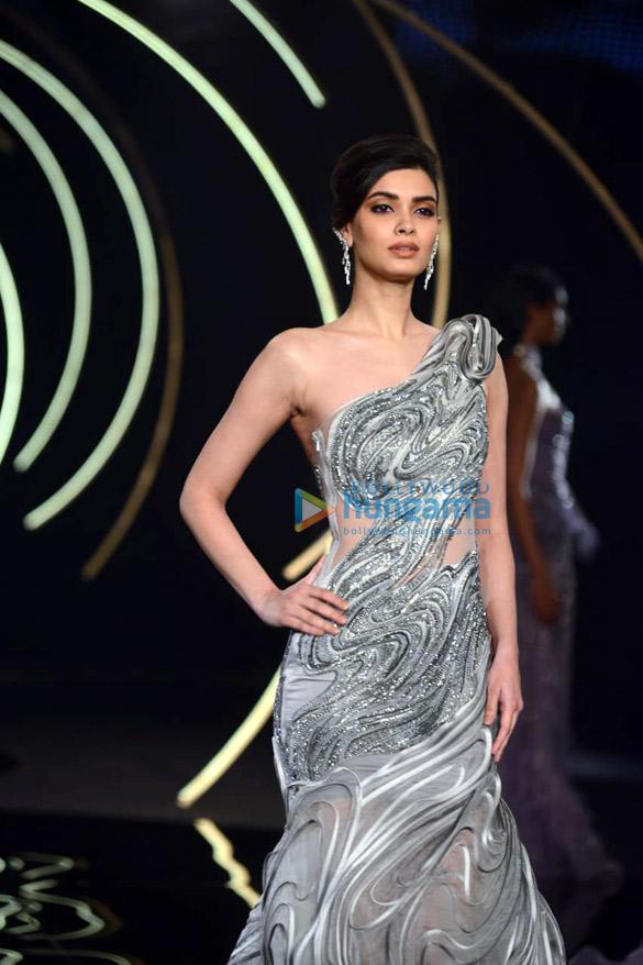Photos Daina Penty walks the ramp for Gaurav Gupta at India Couture Week 2019 (3)