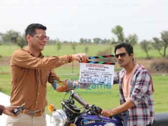 on the sets of the movie Bole Chudiyan