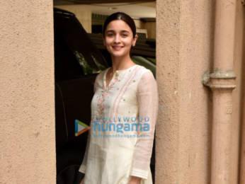 Photos: Alia Bhatt snapped post a meeting at Sanjay Leela Bansali's office in Juhu