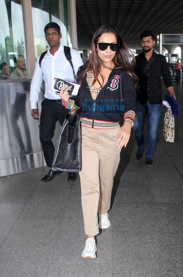 Photos Malaika Arora and Divya Khosla Kumar snapped at the airport (3)
