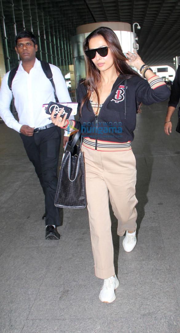 Photos Malaika Arora and Divya Khosla Kumar snapped at the airport (6)