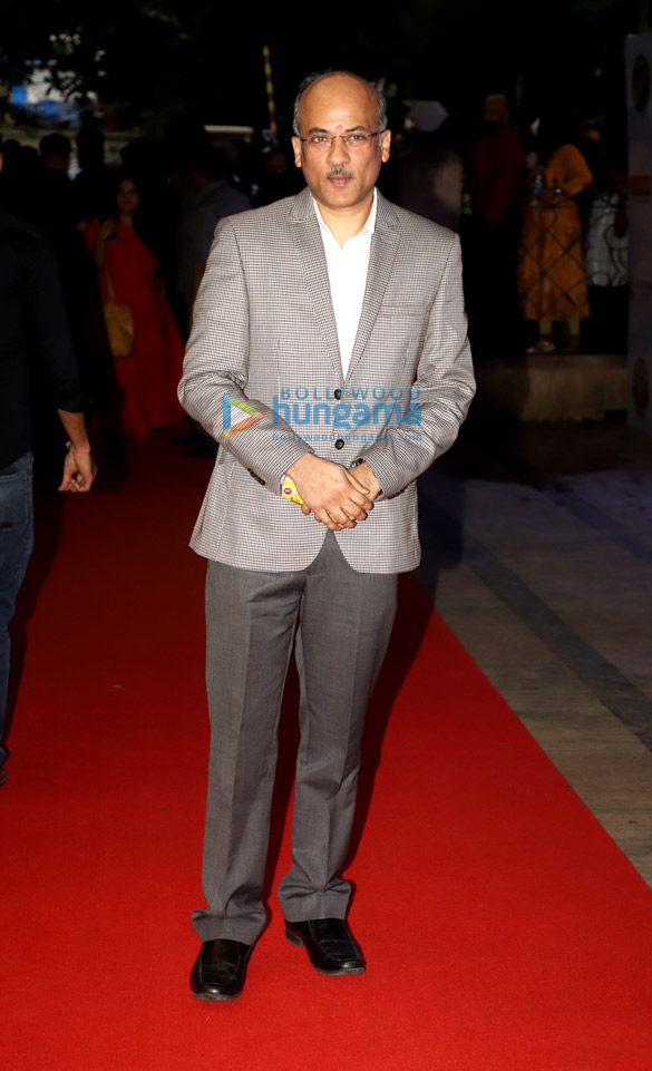 Photos Salman Khan, Madhuri Dixit, Mohnish Bahl and others snapped at Hum Aapke Hain Koun..! 25 years celebration (6)