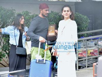 Photos: Taapsee Pannu, Kirti Kulhari, Akshay Kumar snapped at the airport