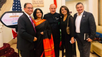 Rishi Kapoor unveils Anupam Kher's autobiography in New York