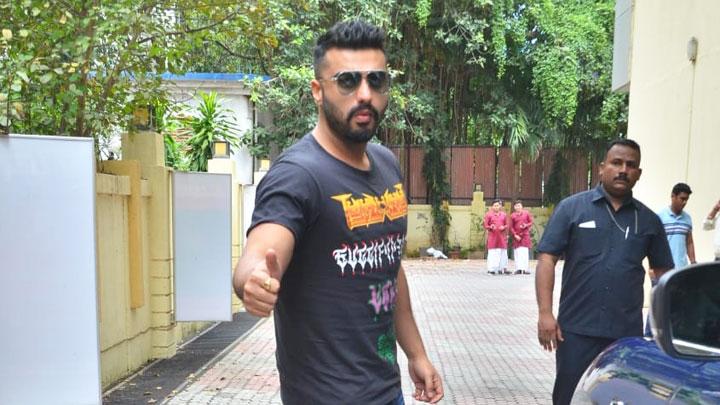 Arjun Kapoor spotted at Croma, Andheri