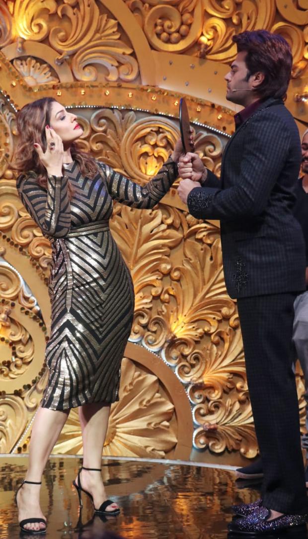 Nach Baliye: Maniesh Paul turns make-up man for Raveena Tandon