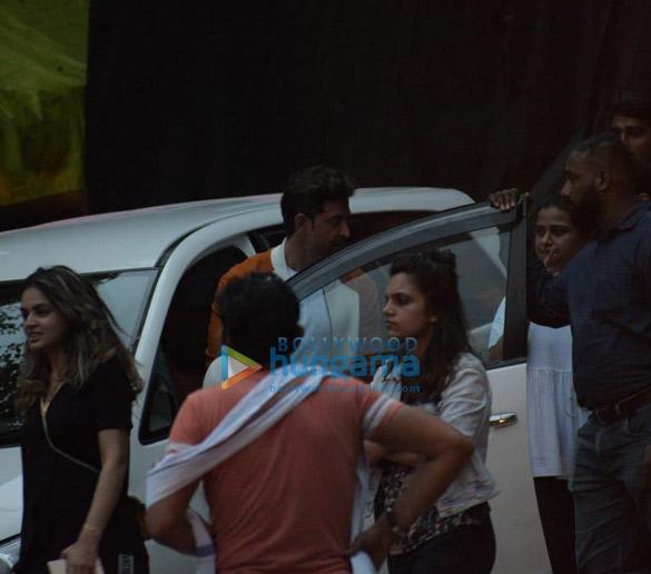 Photos Hrithik Roshan snapped in Mumbai (1)